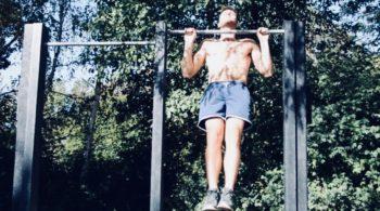 Traction, calisthenics, musculation, poids du corps